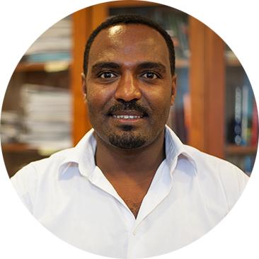 Daniel Melese Headshot